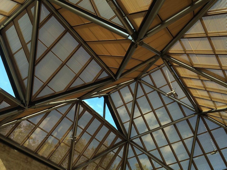 ガラスの屋根
